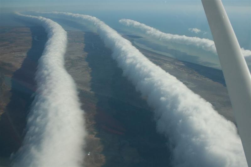 Chwała poranna widziana z samolotu (Fot. Mick Petroff)