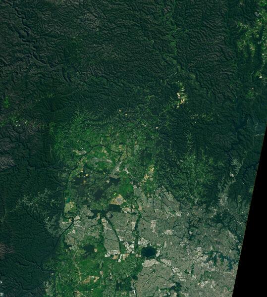 Zdjęcia satelitarne terenów z okolic rzeki Hawkesbury z 5 marca 2020 roku (NASA)