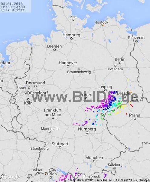 Burze na Niemcami w godz. 12.30-14.30 (blids.de)