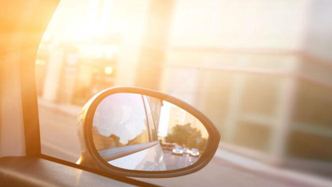 Jedynym utrudnieniem na drogach będzie rażące słońce