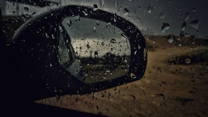 Na wschodzie kraju deszcz utrudni podróżowanie